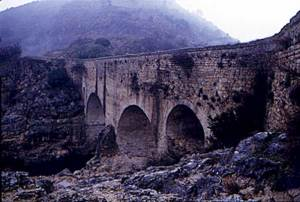St-Guilhem-bridge-2